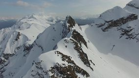Полет над горой снега в Сочи сток-видео