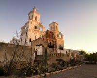 Полет Сан Xavier del Bac в Tucson, Аризоне Стоковые Изображения