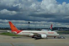 Полет Air India в авиапорт стоковое фото