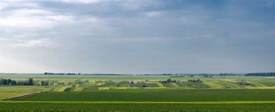 Поле и деревня Стоковое фото RF