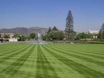Поле травы в Forest Lawn Memorial Park Стоковое фото RF