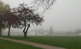 Поле школы на дождливый день Стоковая Фотография RF