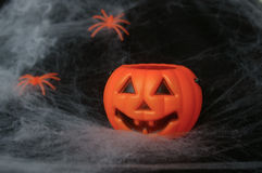 Поддельная тыква с spiderwebs Стоковые Изображения RF