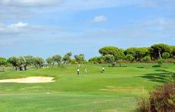 Поле для гольфа, игроки, Андалусия, Испания Стоковое Фото