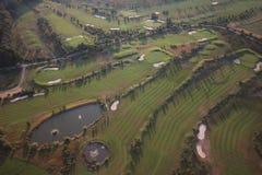 Поле для гольфа от воздуха стоковая фотография rf