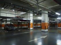 Подземная стоянка автомобилей Стоковые Фото