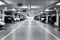 Подземная стоянка автомобилей Стоковая Фотография