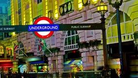 Подземный подпишите внутри цирк Piccadilly, Великобританию акции видеоматериалы