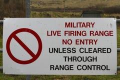 Полигон для стрельбы знака воинский отсутствие входа Стоковая Фотография