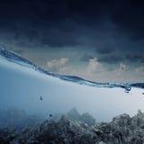 Под изображением воды Мультимедиа Стоковое Фото