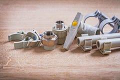 Полипропилен Fixators клапана воды соединителей и Стоковые Фотографии RF