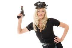 Полисмен женщина-полицейского с оружием Стоковая Фотография RF
