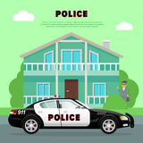 Полицейская машина на улице около банка с разбойником Стоковые Изображения