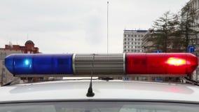 Полицейская машина с светами сирены дальше сток-видео