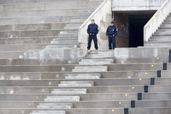2 полицейского на их столбе Стоковое Изображение