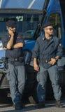 Полиция на обязанности для демонстрации против ROM и их полей Стоковая Фотография