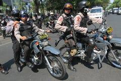 Полиция обеспечивает городок Стоковое фото RF