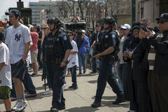 Полиция NYPD противопоставляет stad янки патруля офицеров конторы терроризма Стоковое фото RF