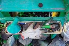 Полка для аксессуаров сада стоковые изображения