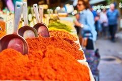 Полки специй в рынке Carmel Стоковое фото RF