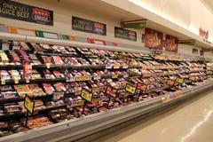 Полки с мясом стоковые изображения rf