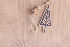 по мере того как предпосылка может используемая тема иллюстрации рождества Handmade оборачивать подарка на рождество и Новый Год стоковые изображения