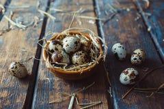 по мере того как предпосылка eggs много триперсток Стоковые Фотографии RF