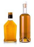 Полная бутылка вискиа изолированная на белой предпосылке Стоковое Изображение RF
