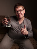 Полная питьевая вода человека стоковая фотография rf