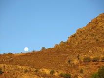 полная луна холма сверх стоковое фото rf
