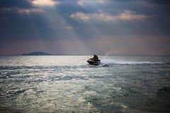 Под небом, красивое море Стоковая Фотография