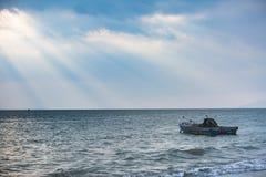 Под небом, красивое море Стоковые Изображения RF