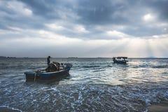 Под небом, красивое море Стоковые Фотографии RF