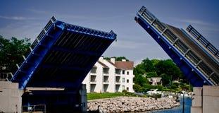 Поднимать мост стоковые фотографии rf