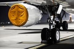 Поднимающее вверх самолетного двигателя близкое Стоковое Фото