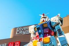 Полноразмерные представления вне площади токио DiverCity, Oda Gundam Стоковая Фотография
