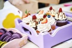 Поднос с пирожными Стоковое Изображение RF