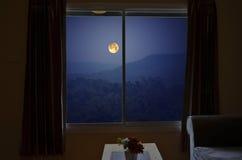 Полнолуние в окне Стоковое фото RF