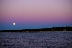 Полнолуние над Балтийским морем Стоковая Фотография RF