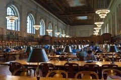 Подняли главным образом читальный зал и потолок в публичной библиотеке Нью-Йорка, NYC Стоковые Фото