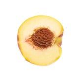 Половина изолированного плодоовощ персика Стоковое Изображение RF