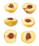 Половина изолированного плодоовощ персика Стоковая Фотография RF