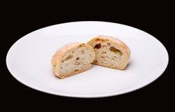Половина 2 плюшки сандвича с оливками Стоковые Фото