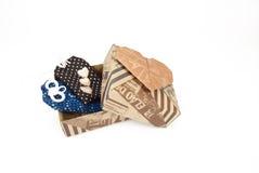 Половинная открытая подарочная коробка с украшением сердец и меньшим саше Стоковые Фотографии RF