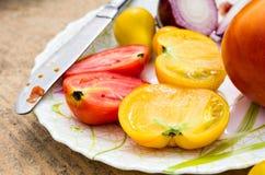 Половинные томаты Стоковые Фото