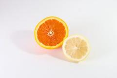 Половинный лимон и половинный апельсин Стоковое Фото
