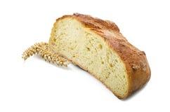Половинный домодельный весь хлеб Стоковая Фотография RF