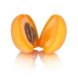 2 половины абрикоса с отражением Стоковая Фотография RF