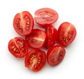 Половины томата вишни изолированные на белизне, сверху Стоковые Изображения RF