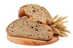 2 половины хлебец ушей хлеба и пшеницы рож Стоковое Фото